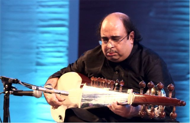 Pandit Tejendra Narayan Majumdar honoured with Sangeet Natak Akademi Award 2018